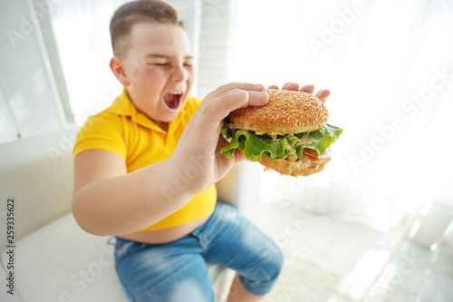 canvas print picture A child with overweight
