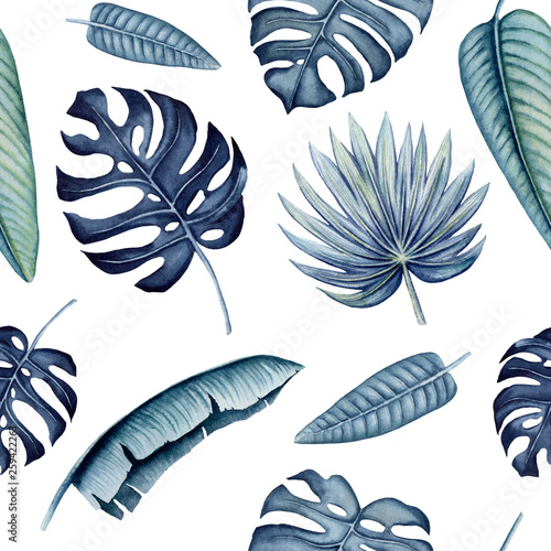 Seamless Pattern of Watercolor Tropical Leaves © Nebula Cordata