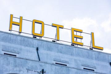 Hotel-Schriftzug