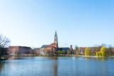 Kiel Innenstadt im Morgenlicht Hiroshimapark mit Kleinem Kiel, Rathaus  und Opernhaus am Rathausplatz, der Frühling hält Einzug
