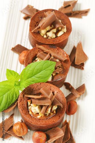fototapeta na ścianę Mini chocolate hazelnut cakes