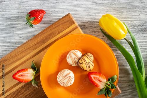 Cookies and strawberries © pilotl39