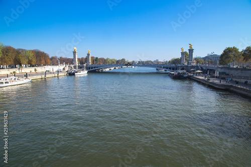 Paris - 259631429