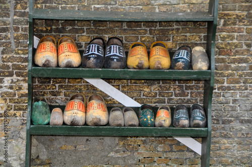 canvas print picture Holzschuhe