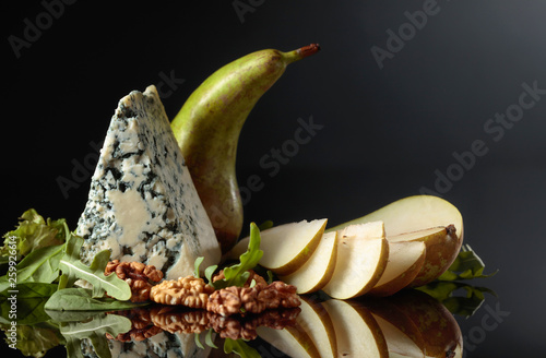 Blue cheese with walnuts, pear and greens. - 259926614