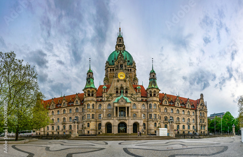 Leinwanddruck Bild New town hall in Hannover, Germany