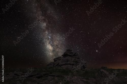 canvas print picture Die Milchstraße über einem Felsen im dunklen Moor in Devon
