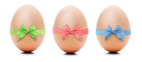 Eier mit Schleife