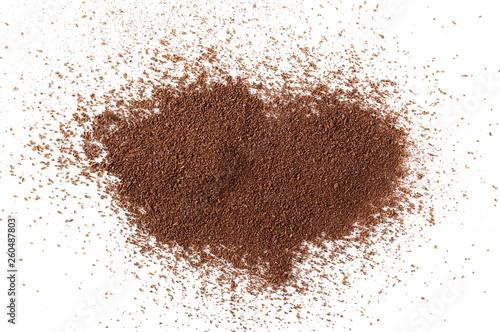 Leinwanddruck Bild Cinnamon powder pile isolated on white background