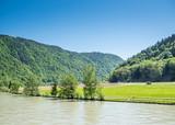 Fahrt durch das Donautal in Österreich