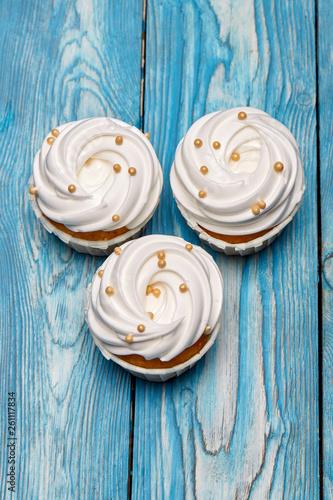 freshly baked cupcake © fyb
