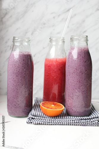 canvas print picture Smoothies in Glasflaschen