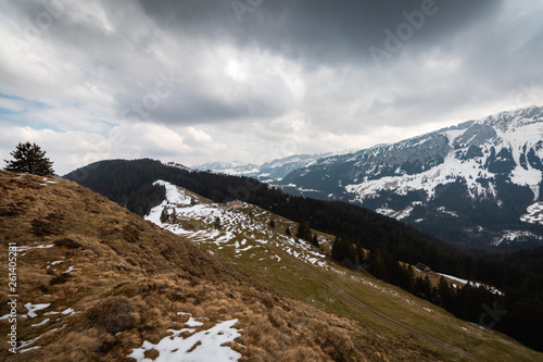 canvas print picture Cloudy day in the mountains