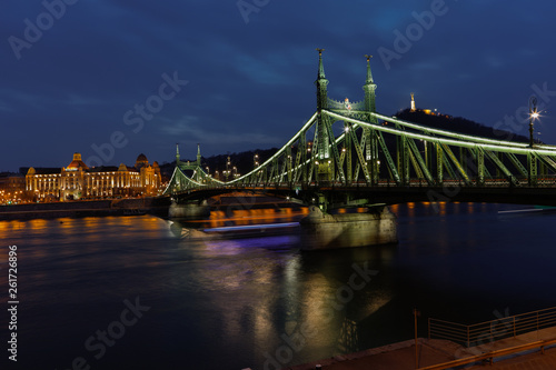 canvas print picture Budapest night
