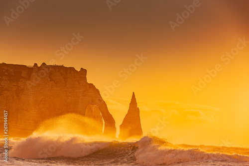 Klippen von Etretat bei Sonnenuntergang