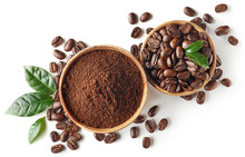 "Постер, картина, фотообои ""Bowl of ground coffee and beans isolated on white background"""