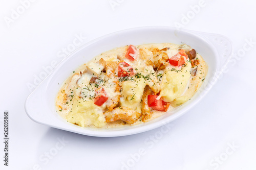 chicken with mashed potato - 262035860
