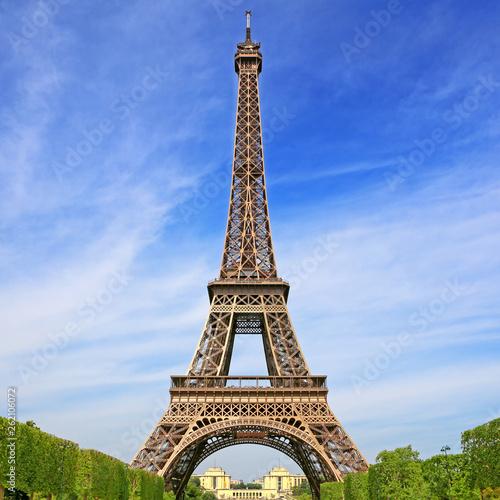 Eiffel Tower - 262106072