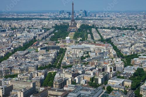 Champs de Mars et tour Eiffel - Paris - 262177283