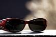 canvas print picture - Sonnenbrille im Sonnenlicht