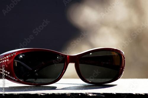 canvas print picture Sonnenbrille im Sonnenlicht