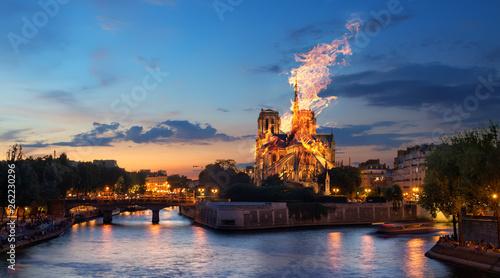 Leinwandbild Motiv Fire Notre Dame