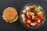 Cheeseburgerand salad