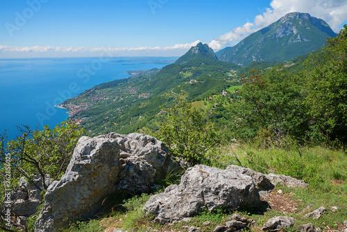 Aussichtspunkt am Wanderweg von Sasso nach Eremio San Sebastiano © SusaZoom