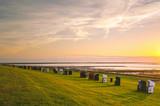 Sonnenuntergang am Nordseedeich
